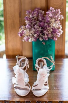 When both laughter and sniffles can be heard at a wedding ceremony, you know it was good. And this wedding? Oh, it was good. With design and coordinationfrom La Boheme Events,those moments of happiness were surrounded by the brightest detailsthat
