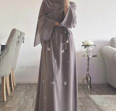 Abaya Hijab a hijab cap Modest Fashion Hijab, Abaya Fashion, Muslim Fashion, Hijab Outfit, Hijab Style Dress, Abaya Style, Hijab Chic, Abaya Mode, Mode Hijab