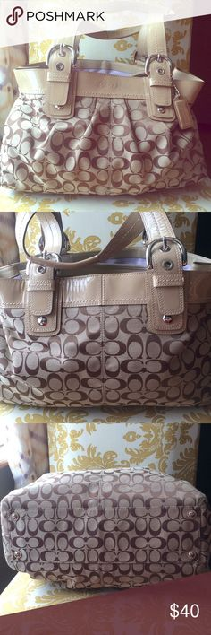 ⭐️Coach Soho Pleated Signature C Shoulder Bag⭐️ Coach Pleated Soho large Shoulder Bag. Bag is in great condition.  Visible marks on the leather. On front back and strap. Marks can be seen in the photos. The rest of the bag is in great condition. Coach Bags Satchels