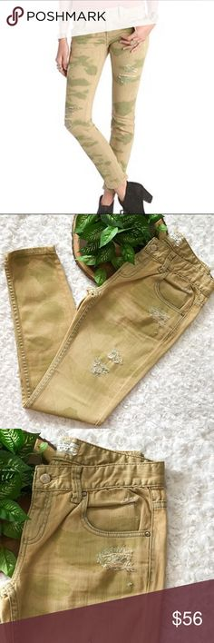 NEW Free People Distressed Camo Ankle Skinny Jeans NEW Free People Distressed Camo Ankle Skinny Jeans. Tan and Green Camo. Mid Rise. Size 26. Zip fly. NWOT. Pet and smoke free home. No Trades! Bundle and save! Inquire below with questions! Thanks for looking, sharing, and saving. Free People Jeans Skinny