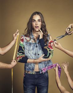 This jacket was made by lots of hands, because it features different stories and is the result of several journeys and experiences. The Exotic Jeans jacket makes the denim world completely different by adding embroided finishes and embellished drawings to it´s design. The best think about this jacket? The handmade DNA of Desigual it´s undeniable.