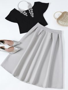 SHARE & Get it FREE | Cropped Tee And Midi Flare Skirt - Black And GreyFor Fashion Lovers only:80,000+ Items • New Arrivals Daily Join Zaful: Get YOUR $50 NOW!
