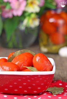 Очень простой рецептзасолки помидоров за 4 дня. Акакой ваш любимый рецепт? Ингредиенты 1 кг помидор сливок (спелых, но не мягких) 5 зубчиков чеснока 3 лавровых…