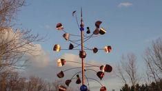 how to make copper wind spinners Kinetic Wind Spinners, Wind Sculptures, Garden Deco, Kinetic Art, Outdoor Art, Outdoor Ideas, Garden Statues, Yard Art, Metal Art