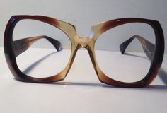 Vintage eye wear. Oscar de la Renta. 1970's. Made in USA by American Optical. Brown ombré color. Mod. High Fashion. Disco.