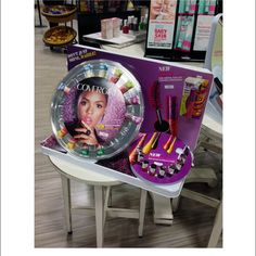 Covergirl Don't Just Shine Dazzle Shelf Display