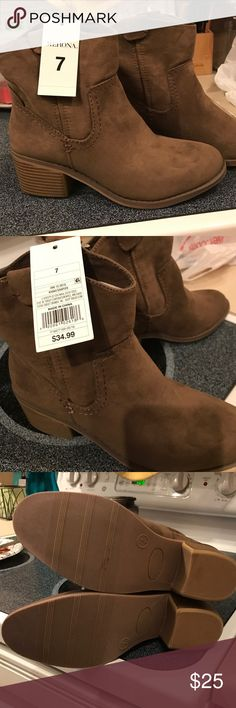 NWT Army-green booties size 7 Perfect condition, never worn green/brown booties. Bought a month ago, tried to exchange sizes with no success. Merona Shoes Ankle Boots & Booties