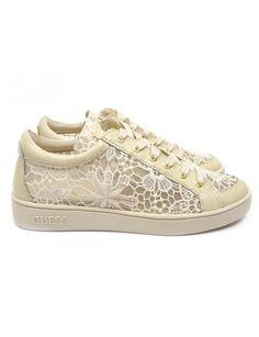 Guess Glinna sneakers - beige vind je Emmen schoenen de (online) winkel voor mooie schoenen