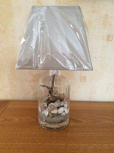 Lampe bouteille remplie de bois flotté par l'atelier de Corinne : Luminaires par atelier-de-corinne