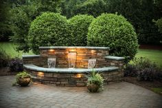 38 Clever Backyard Shrub Garden Ideas 2019 Many gardens use lots of shrubs but here we see three large shrubs used to great effect to accentuate this water feature. The post 38 Clever Backyard Shrub Garden Ideas 2019 appeared first on Landscape Diy. Modern Water Feature, Diy Water Feature, Backyard Water Feature, Large Backyard Landscaping, Ponds Backyard, Landscaping Ideas, Pool Water Features, Water Features In The Garden, Large Water Features