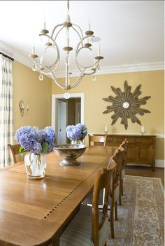 """Interior Paint Color and Color Palette Ideas - """"Warm Yellow Paint Color"""" (Benjamin Moore 382 Buttermilk) Warm Paint Colors, Yellow Paint Colors, Favorite Paint Colors, Interior Paint Colors, Yellow Painting, Interior Painting, Yellow Walls, Painting Abstract, Painting Tips"""