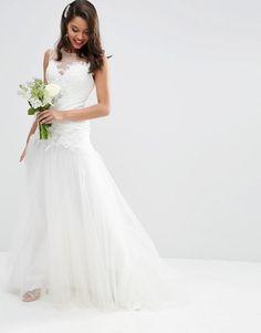 ASOS BRIDAL - Princess - Vestito lungo con gonna in tessuto a rete e corpino di pizzo
