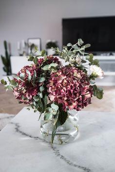 Cut Flowers, Fresh Flowers, Dried Flowers, Beautiful Flowers, Beautiful Flower Arrangements, Floral Arrangements, Flower Centerpieces, Flower Vases, Nothing But Flowers