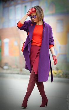 Find and save ideas about topics/winter style/ on Women Outfits. Purple Fashion, Fashion Colours, Colorful Fashion, Look Fashion, Trendy Fashion, Winter Fashion, Street Fashion, Fashion Outfits, Womens Fashion