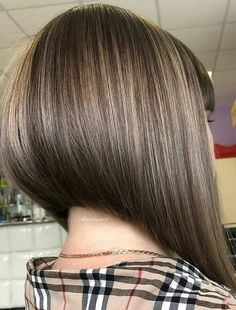 Inverted-Bob-Hair-Style Popular Bob Hairstyles 2019 - New Hair Style Modern Bob Hairstyles, Cool Short Hairstyles, Box Braids Hairstyles, Hairstyles 2018, Wedding Hairstyles, Angled Bob Haircuts, Inverted Bob Hairstyles, Short Hair Back View, Bob Back View