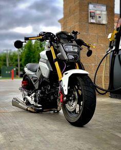 Honda Grom Custom, Aerox 155 Yamaha, Bike Photography, Honda Bikes, 4 Wheelers, Valentino Rossi, Bike Life, Custom Bikes, Volkswagen Golf