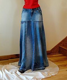 upcycled jean skirt from jean pant legs (I like this a lot better than the usual style of long skirt made from jeans.)