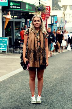 Cornwall Street Style   The scarf <3