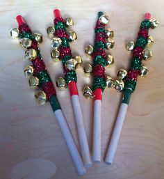 Jingle bell sticks, great when walking in the parades during the holidays - tutorial