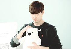 exo daddy suho & bear bowing