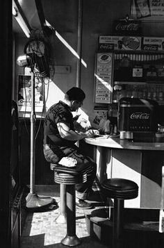 "Design inspiration / bw photography and NY diner style in the 1950's [""Diner 14th street New York 1952 Photo: Louis Stettner""]"