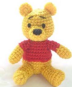 Aqui os dejo este Winnie de Pooh que he visto por la red y que he traducido para compartirlo con todas, espero os guste. CABEZA 1ª vuelt...