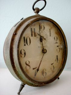 Perfectly Rusty Grungy Shabby Vintage Big Ben Alarm Clock