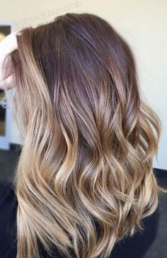 Ask for those caramel tones. Color by @realbeautyby_marrah.