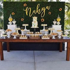 Ideas Baby Shower Ideas Sunflower For 2019 Sunflower Birthday Parties, Sunflower Party, Sunflower Baby Showers, Baby Shower Flowers, Floral Baby Shower, Fancy Baby Shower, Baby Shower Parties, Baby Shower Themes, Baby Boy Shower