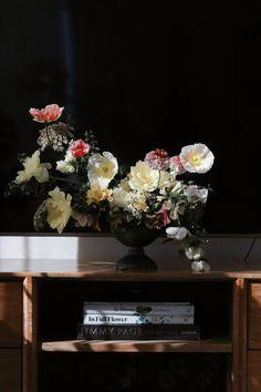 Home - River & Eve flora Blue Mountain, Floral Arrangements, Floral Design, Flowers, Instagram, Home Decor, Decoration Home, Room Decor, Flower Arrangement