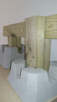 Building A Floating Deck, Deck Building Plans, Building A Shed, Wood Deck Railing, Off Grid, Terrasse Design, Shed Construction, Back Garden Design, Backyard Gazebo