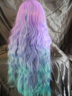 OMG I am in love with this Mermaid hair! I don't care if it's a wig, I want it!