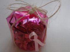 Cómo realizar una caja de regalo o bombonera reciclando la base de una botella #gotasdesolidaridad contra el cáncer de mama #solandecabras #solidaridad https://www.youtube.com/watch?feature=player_embeddedv=d2-8z9yM-ig