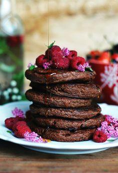 placuszki jaglane a'la pancake z czekolada i malinami2