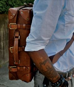 leather bag, baby blue shirt - man who travels :) Looks Style, Looks Cool, My Style, Baby Blue Shirt, Suitcase Backpack, La Mode Masculine, Brown Dress, Look Fashion, Fashion Men
