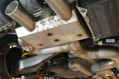 Full SUS304 construction with 88mm plumbing from the mid muffler back.