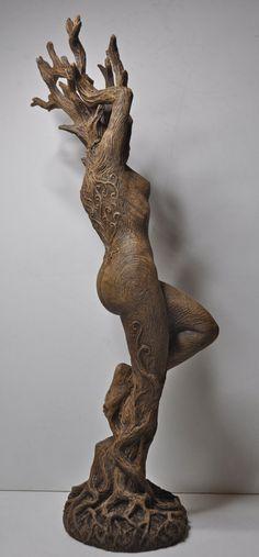 Estatua de Dríada por Dellamorteco en Etsy