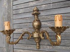 paire d'appliques murales en bronze style régence  2