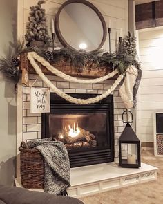 Decorating your fireplace mantel adds a quality to the room. Of course, there are easy and creative themes to decorate your fireplace. home 24 Christmas Fireplace Decorations, Know That You Should Not Do Christmas Mantels, Christmas Home, Christmas Fireplace Decorations, Fall Mantle Decor, Christmas Gifts, Christmas Ideas, Christmas Living Rooms, Christmas Design, Xmas Decorations