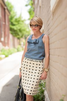 seersucker and saddles Casual Outfits, Fashion Outfits, Fashion Trends, Chic Over 50, Stylish Clothes For Women, Kinds Of Clothes, Mode Style, Seersucker, Work Fashion