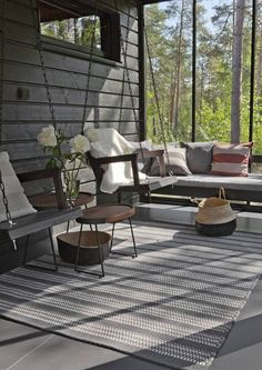 Avotakan sisustustoimittaja valitsi Seinäjoen asuntomessujen kiinnostavimmat kohteet. Katso inspiroivat suosikit. Outdoor Spaces, Outdoor Living, Outdoor Decor, Riverside House, Weekend House, Scandinavian Home, Cottage Style, Interior Decorating, Patio