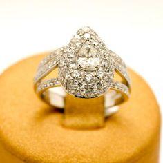 Anello goccia pavè oro bianco e diamanti