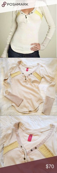 """Free People Rare Nordic Sweater cuff thermal EUC Adorable thermal with oatmeal lambswool sweater cuffs and collar, pale butter lambswool trim and decorative star buttons. Excellent condition. No pills, stains or flaws. Size small. 30-36"""" bust with stretch. 27"""" sleeve. 23"""" length from back collar. Free People Tops Tees - Long Sleeve"""