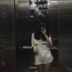 Ulzzang Korean Girl, Cute Korean Girl, Asian Girl, Swag Outfits, Grunge Outfits, Girls Mirror, Uzzlang Girl, Selfie Poses, Insta Photo Ideas