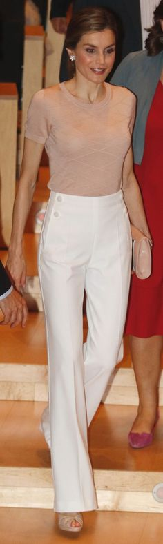 Queen Letizia - white high waist bell bottom Hugo Boss 'Hotaru' trousers, pink HB top, Felipe Varela handbag, Magrit Sandals, Yanes earrings (Queen of style, Letizia)