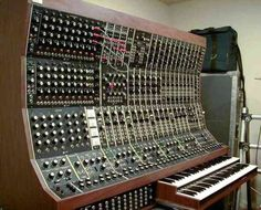 of the University of Iowa Electronic Music Studio from talks to you MOOG ! Home Recording Studio Equipment, Audio Equipment, Banjo, Moog Synthesizer, Vintage Synth, Analog Synth, Audio Sound, Drum Machine, Old Music