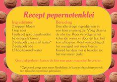 Recept voor de bereiding van pepernoten- (of speculaas)klei, met veilige ingrediënten. Leuk voor peuters, kleuters en kinderen als Sinterklaas in het land is. Diy And Crafts, Crafts For Kids, Arts And Crafts, Kids Playing, Hobbies, Blog, Land, Stage, Hollywood