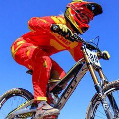 Downhill Mountain Biker, Amanda Batty. Read how Gnarly Nutrition helps her – Gnarly Nutrition  #mountainbike #biking