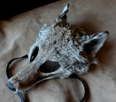 Coyote mask by Lupa. At http://thegreenwolf.etsy.com