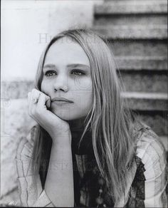 "1968 Press Photo of hippie girl Today Louise Malone of ""The Revolution"""